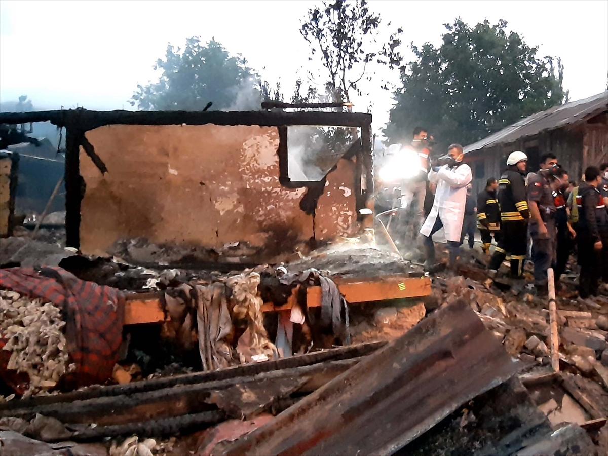 Bolu'da bir evde çıkan yangında iki çocuk hayatını kaybetti