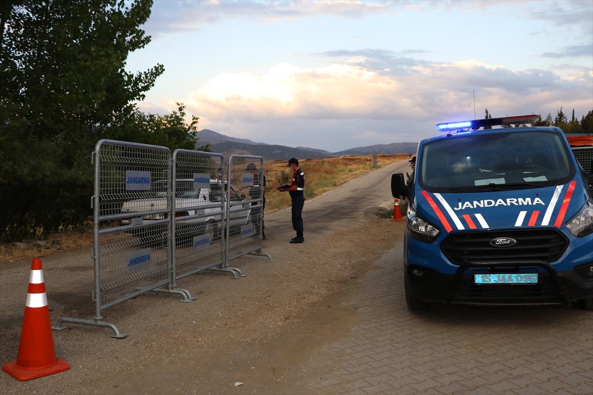 Burdur'da damatta koronavirüs çıkınca köy karantinaya alındı