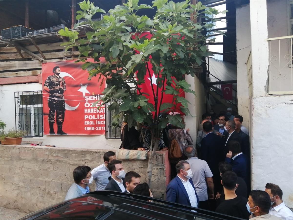 Çevre ve Şehircilik Bakanı Kurum, Artvin'de 15 Temmuz şehidinin ailesini ziyaret etti