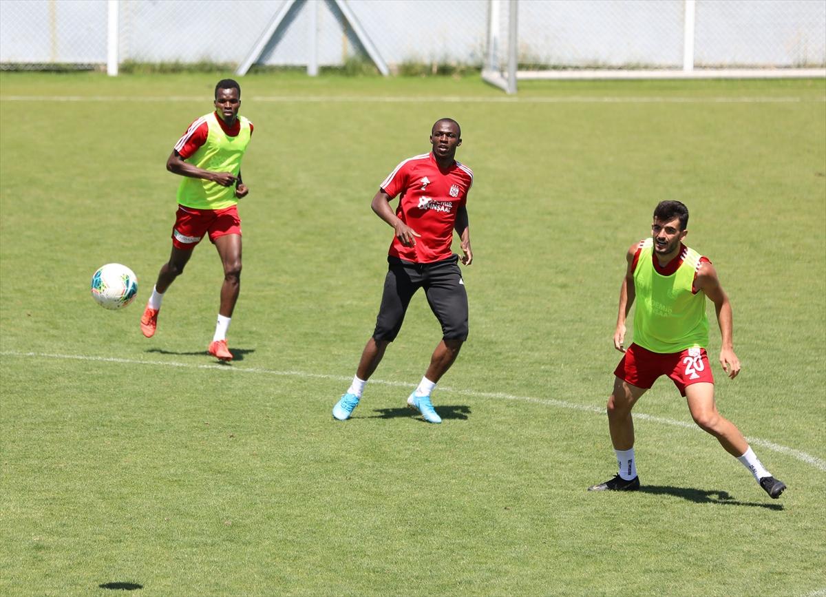 Sivasspor'da Fenerbahçe mesaisi devam ediyor
