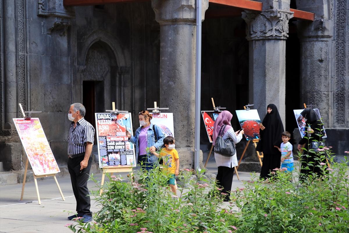 """Tarihi Çifte Minareli Medrese'de """"15 Temmuz"""" fotoğrafları sergisi açıldı"""