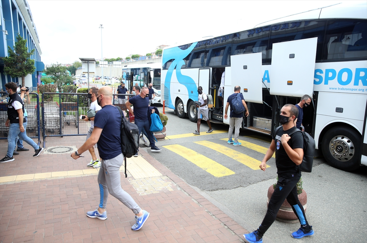 Trabzonspor kafilesi Denizli'ye gitti