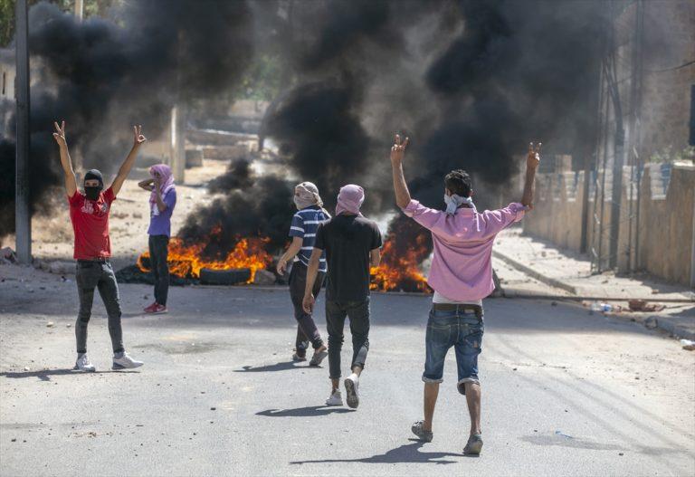 Tunus'un Libya sınırında bir gencin öldürülmesi Tatavin ilinde protesto edildi