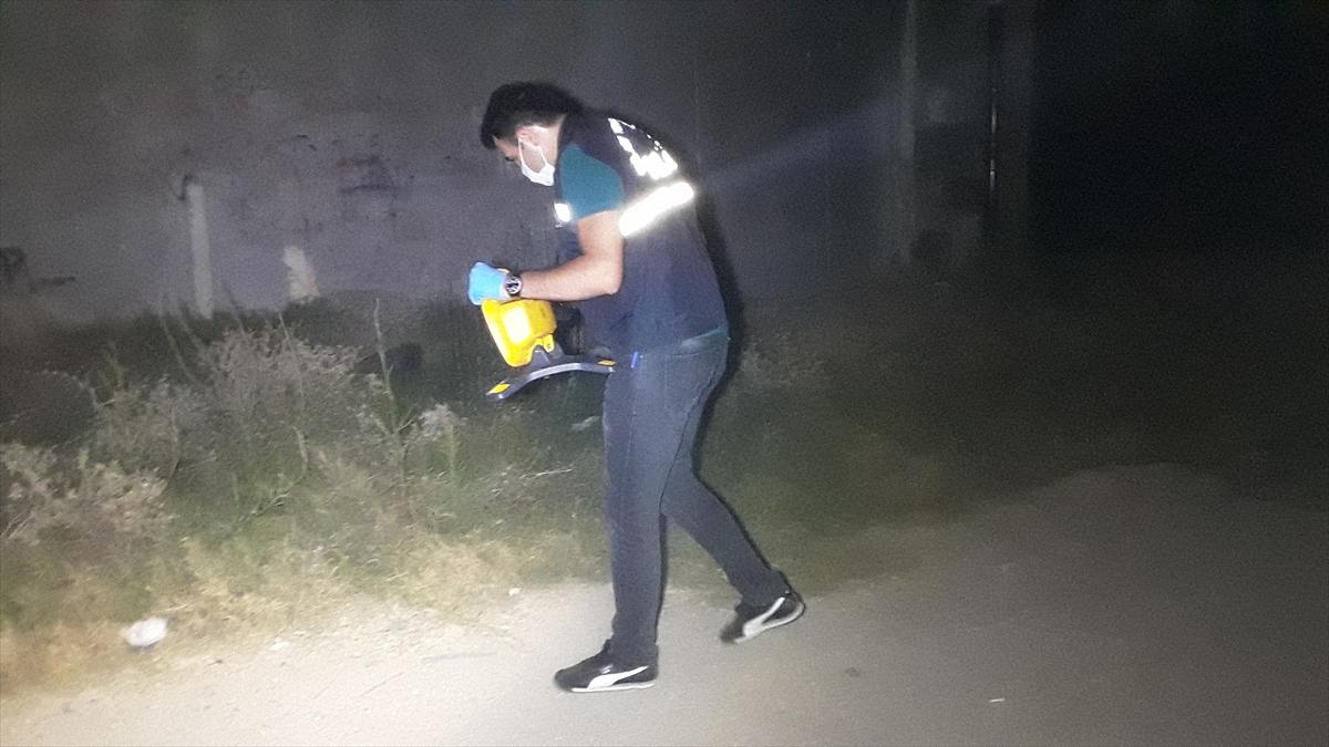 Adana'da silahlı kavgada 1'i ağır 2 kişi yaralandı