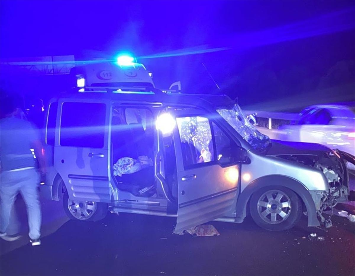 Afyonkarahisar'da zincirleme trafik kazası: 1 ölü, 3 yaralı