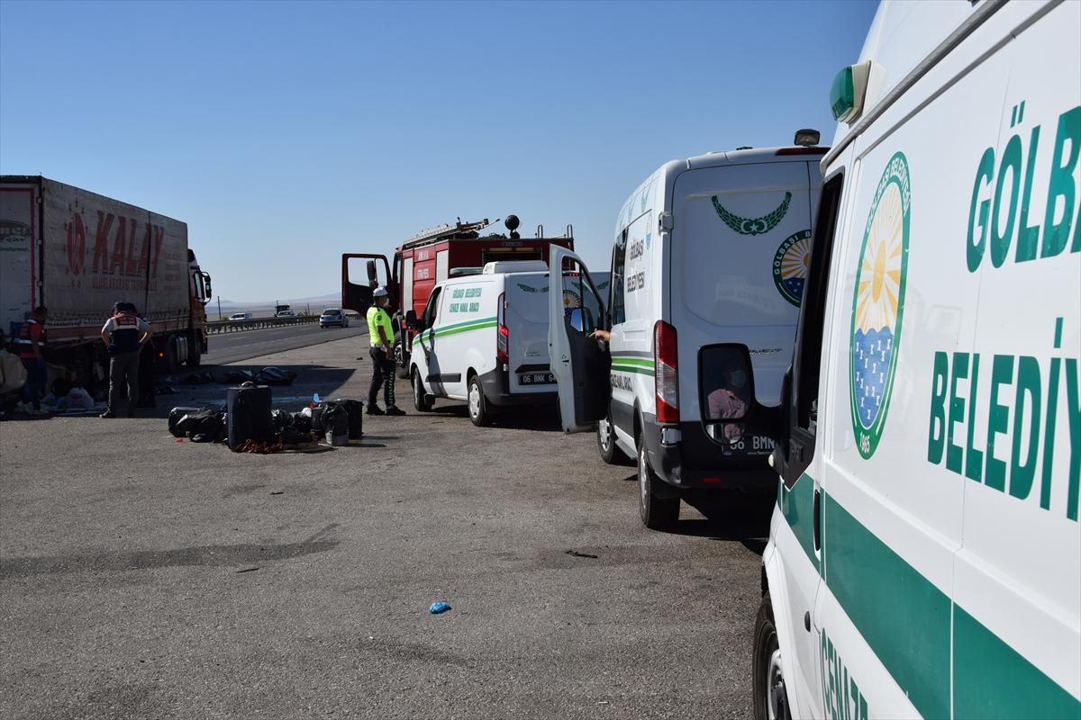 GÜNCELLEME – Ankara'da gurbetçi aile kaza yaptı: 5 ölü