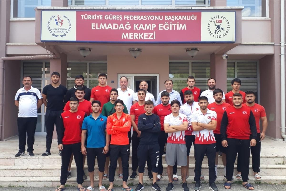 Başkan Musa Aydın'dan genç güreşçilere ziyaret