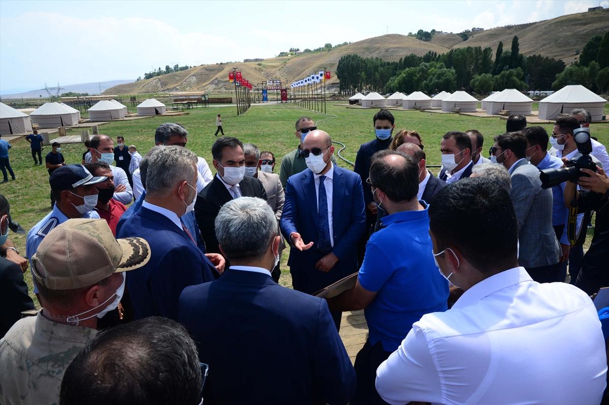 Dünya Etnospor Konfederasyonu Başkanı Erdoğan, Malazgirt Zaferi etkinliklerinin yapılacağı alanı ziyaret etti: