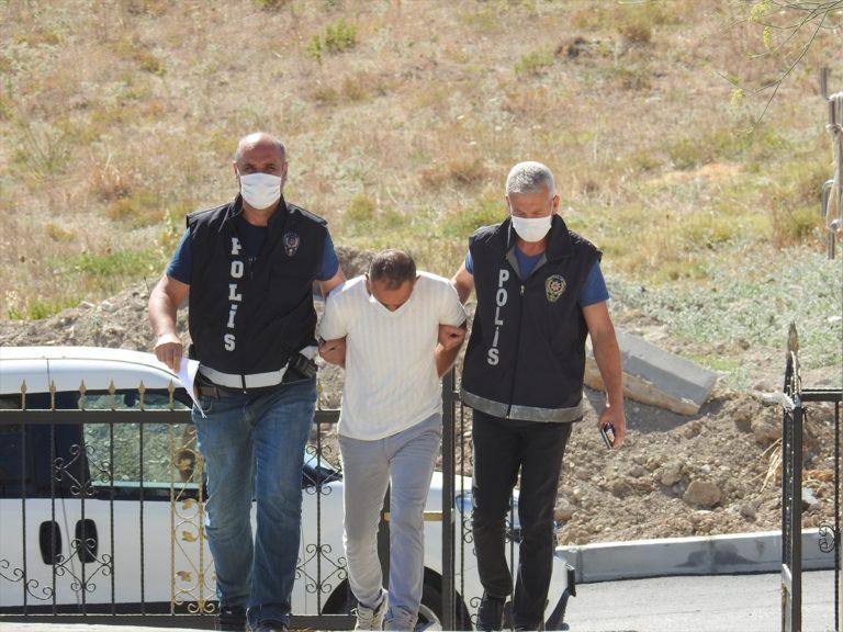 İzmir'de fabrikadaki kasadan altın çaldığı iddia edilen zanlı tutuklandı