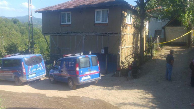 GÜNCELLEME – Adana'da su kuyusu açmak için kazı yapan aileden 4 kişi yaşamını yitirdi