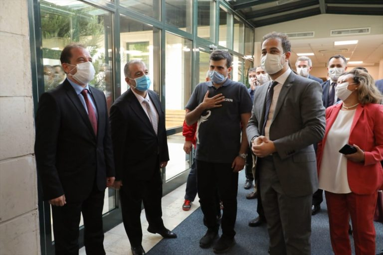 Adalet Bakanı Gül ve T3 Vakfı Mütevelli Heyeti Başkanı Bayraktar'dan HKÜ'ye ziyaret