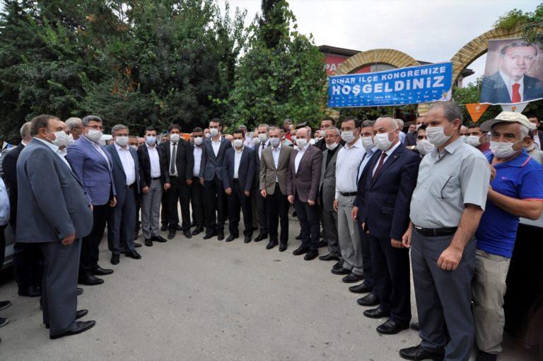 AK Parti Genel Başkan Yardımcısı Kandemir, partisinin Dinar İlçe Kongresi'nde konuştu:
