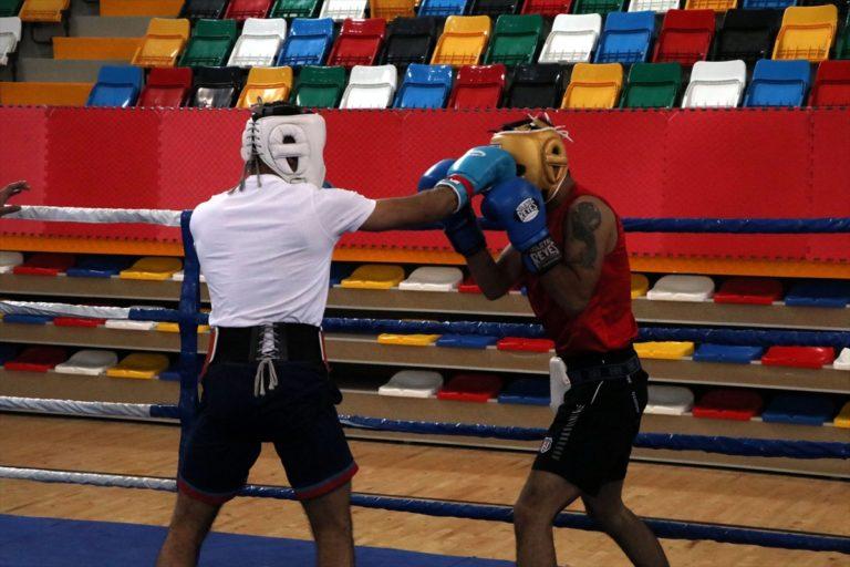 Boksta Türkiye ve İngiltere milli takımlarının ortak kampı Çankırı'da sürüyor