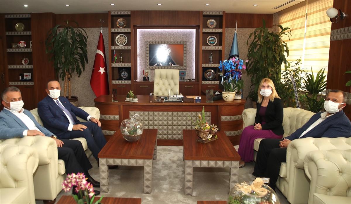 Bakan Çavuşoğlu, Akdeniz Üniversitesi Rektörü Prof. Dr. Özkan'ı ziyaret etti