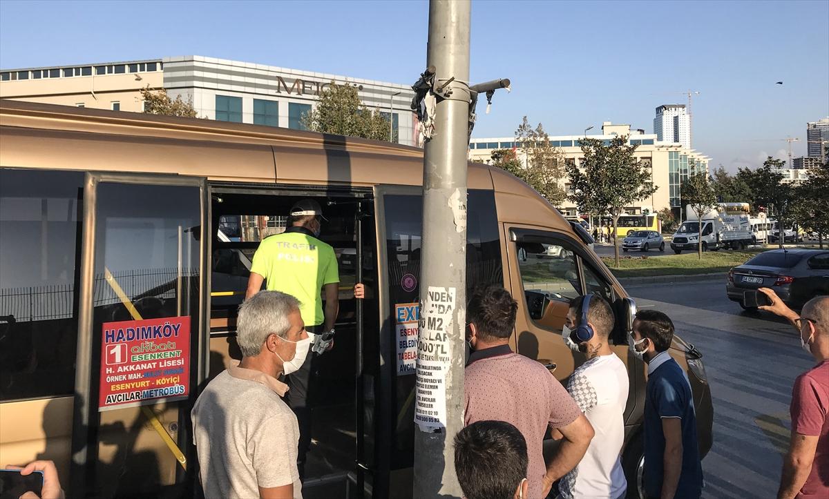 İstanbul'da 12 kişi kapasiteli aracında 33 yolcu taşıyan minibüsçüye ceza kesildi