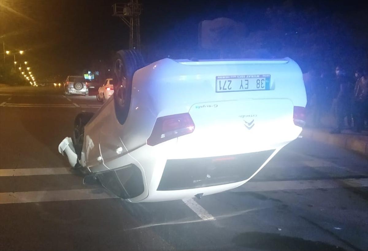 Kayseri'de iki otomobil çarpıştı, 1 kişi öldü
