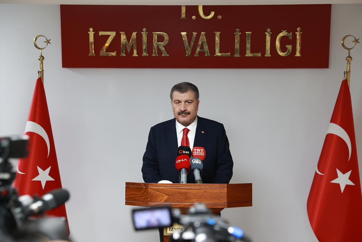 Sağlık Bakanı Koca, İzmir Valiliğinde açıklamalarda bulundu:
