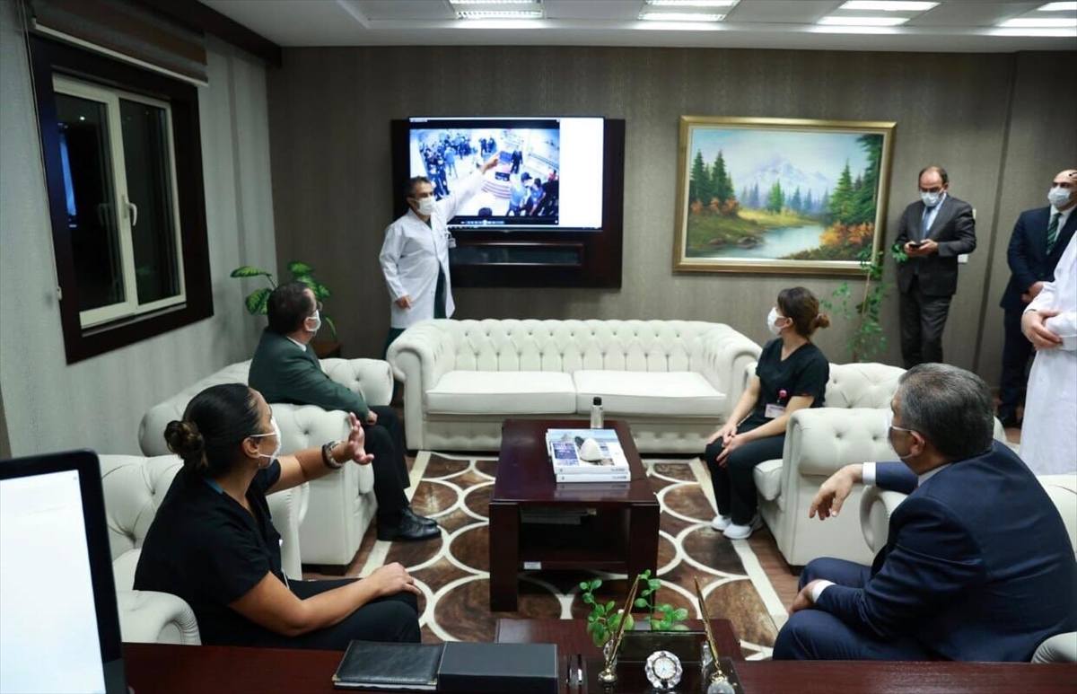 Sağlık Bakanı Koca, Keçiören Eğitim ve Araştırma Hastanesini ziyaret etti: