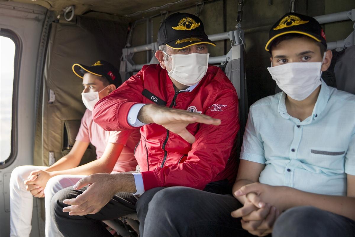 Şehit çocukları TEKNOFEST kapsamında helikopterle şehir turu yaptı