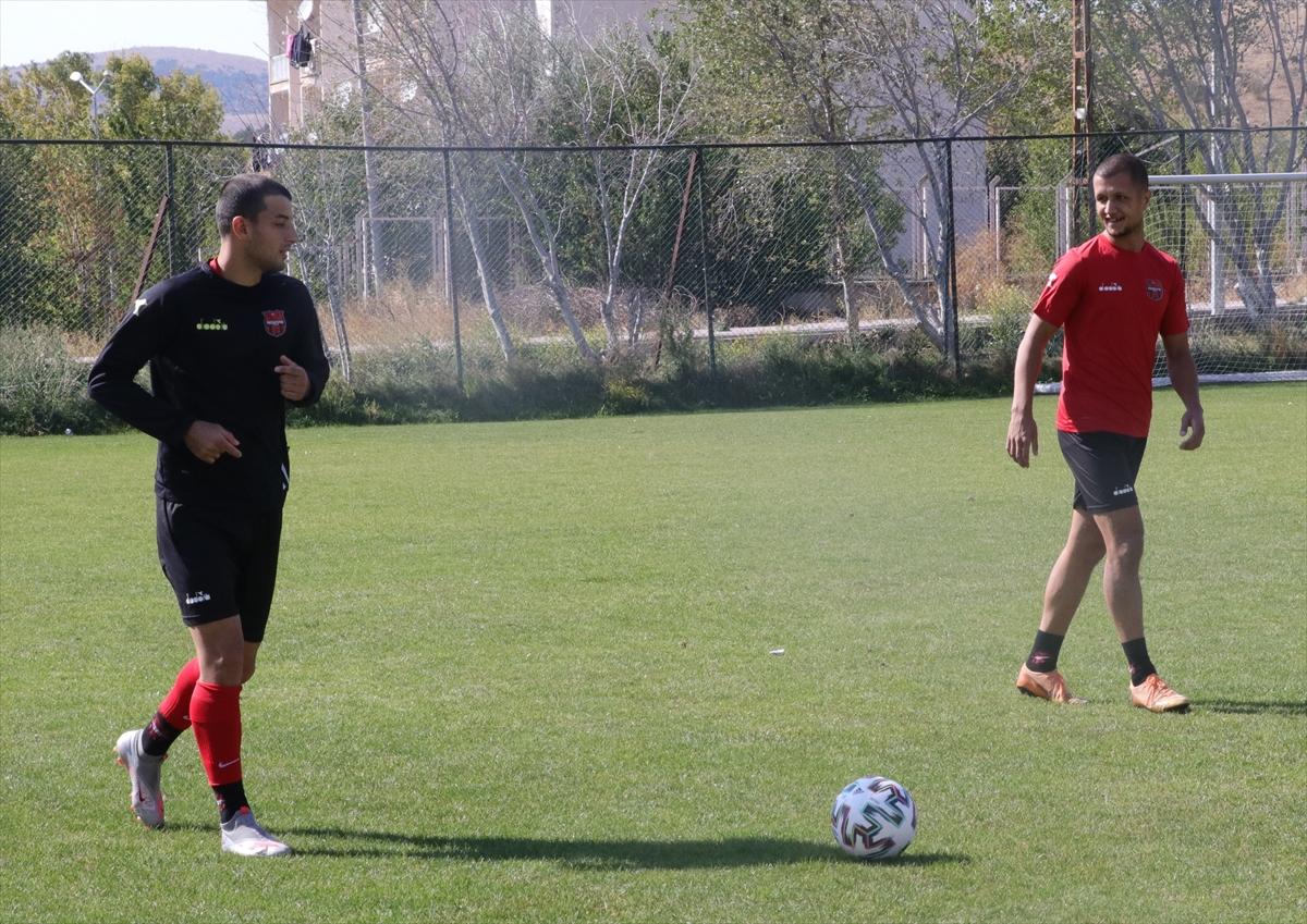 Yozgatspor'da 12 futbolcu, 3 antrenör ve 1 masörün Kovid-19 testi pozitif çıktı