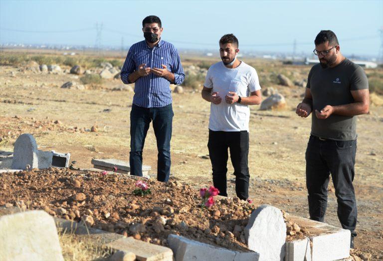 Antalya'da durağın üzerine devrilmesi sonucu ölen kadının cenazesi Mardin'de toprağa verildi