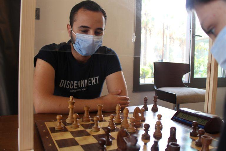 Apaydın Kapalı Hızlı Satranç Turnuvası, İzmir'de yapıldı