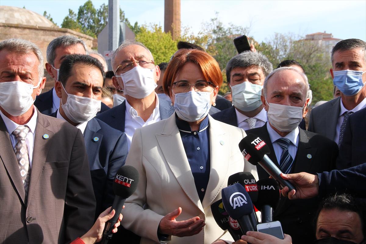 İYİ Parti Genel Başkanı Meral Akşener, Kayseri'de soruları yanıtladı:
