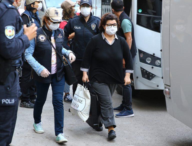 Kobani eylemleri soruşturmasında gözaltına alınan 20 şüpheli adliyeye sevk edildi
