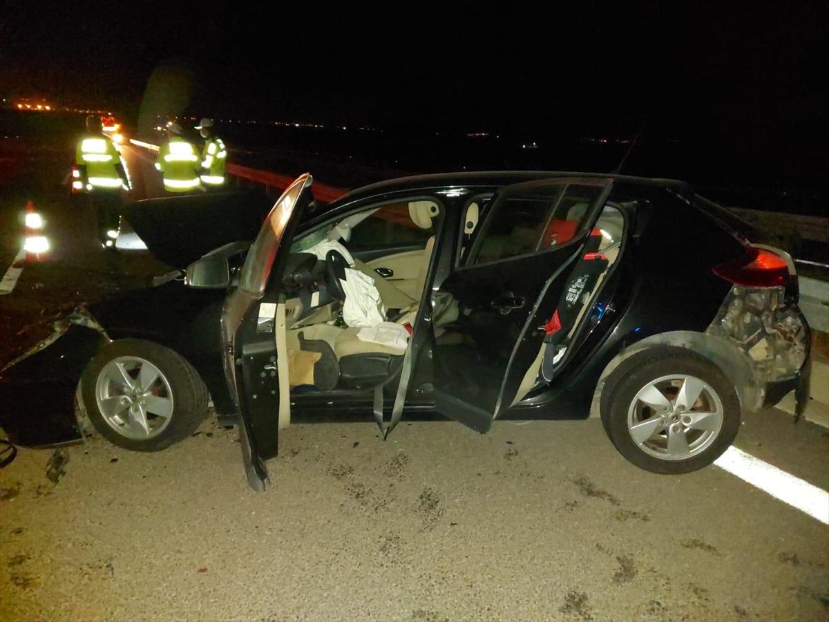 Manisa'da otomobille kamyonet çarpıştı: 1 ölü, 4 yaralı