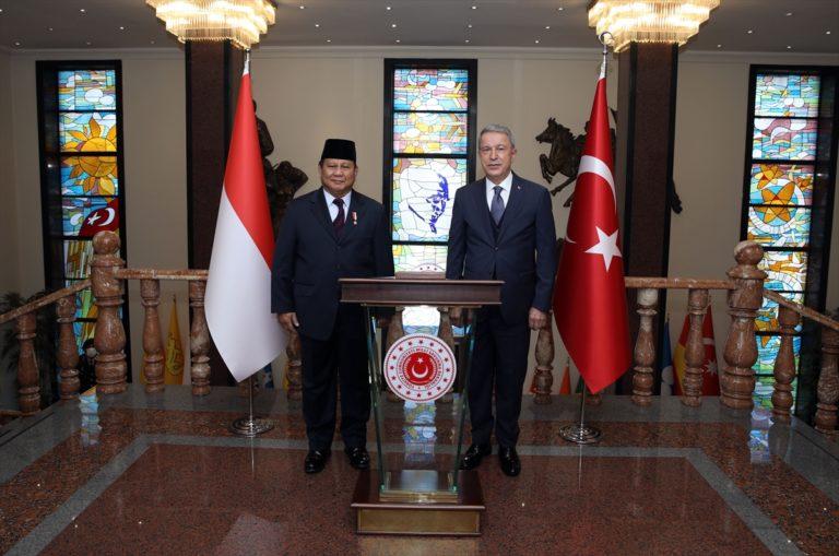 Milli Savunma Bakanı Akar, Endonezyalı mevkidaşı Subianto ile görüştü