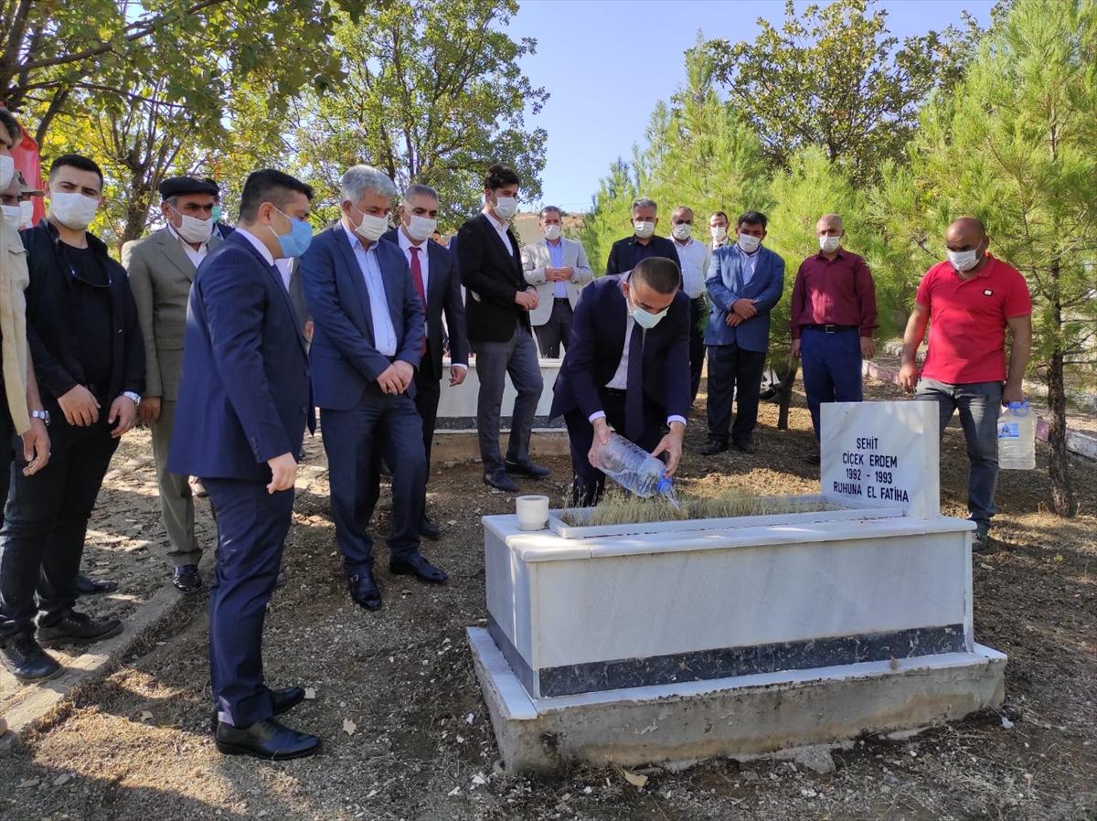 PKK'lı teröristlerin Derince köyünde katlettiği 22 kişi törenle anıldı