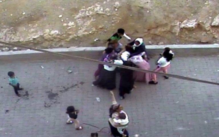 """Şanlıurfa'da komşuların """"çöp atma"""" kavgası güvenlik kamerasına yansıdı"""