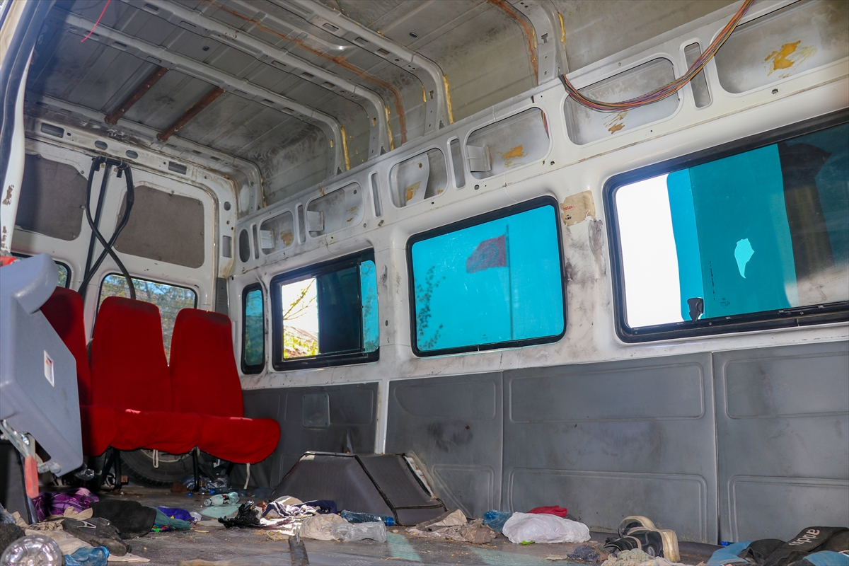 Van'da içinde 72 sığınmacının bulunduğu minibüsün koltuklarının söküldüğü anlaşıldı