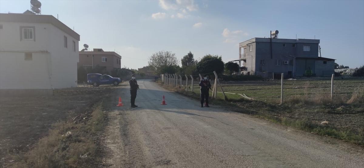 Adana'da Kovid-19 tedbirleri kapsamında bir sokak karantinaya alındı