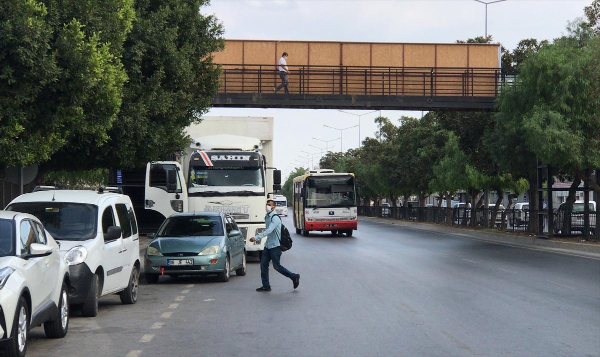 Adana'da minibüsün çarptığı kadın yaşamını yitirdi