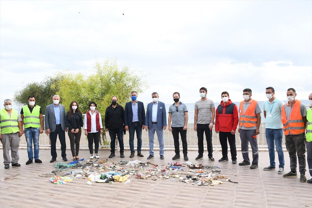 """Antalya'da """"Deniz Çöpleri İzleme Programı"""" kapsamında sahil temizliği yapıldı"""