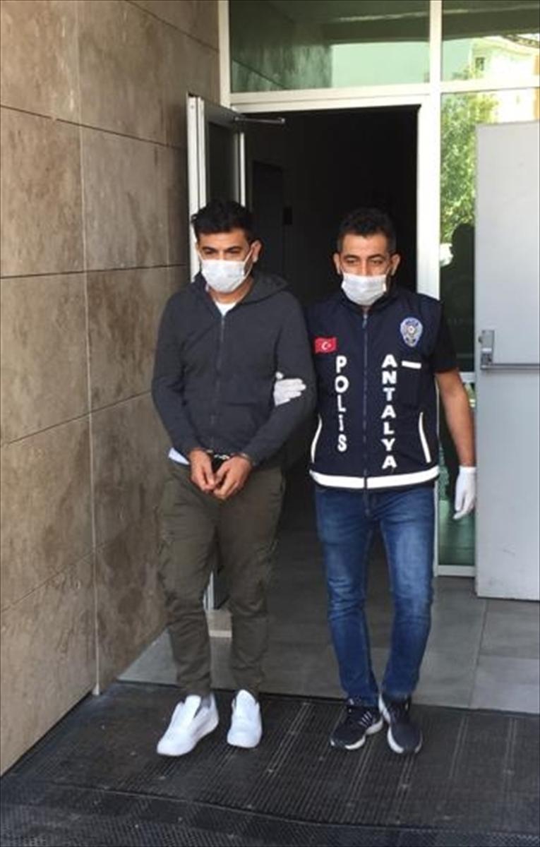 Antalya'da iş bulma vaadiyle dolandırıcılık yaptığı öne sürülen zanlı tutuklandı