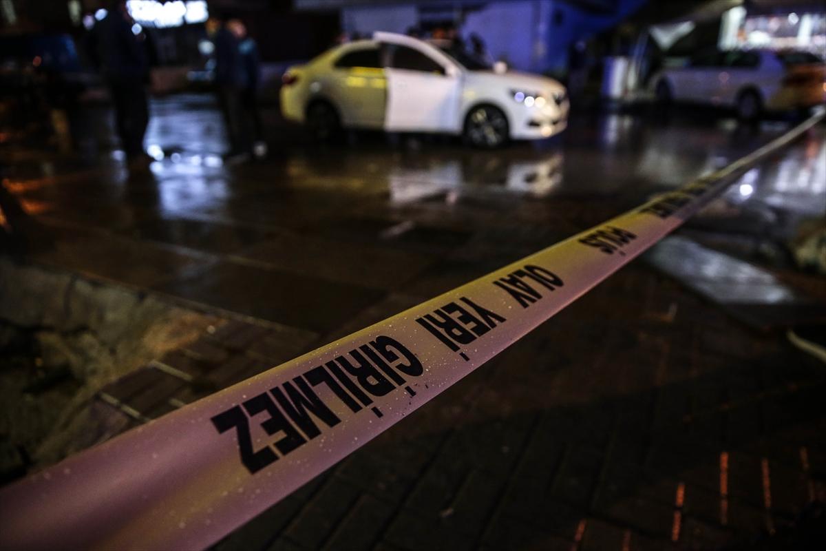 Başkentte otomobilde silahlı saldırıya uğrayan 2 kişi yaralandı