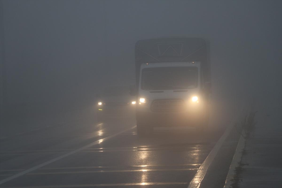 Bolu Dağı'nda yağış ve sis etkili oldu