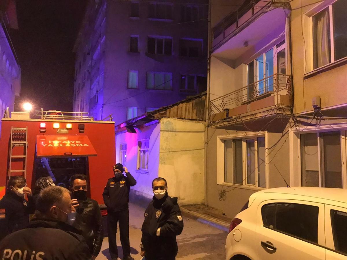 Bursa'da evin çatı katında çıkan yangın söndürüldü