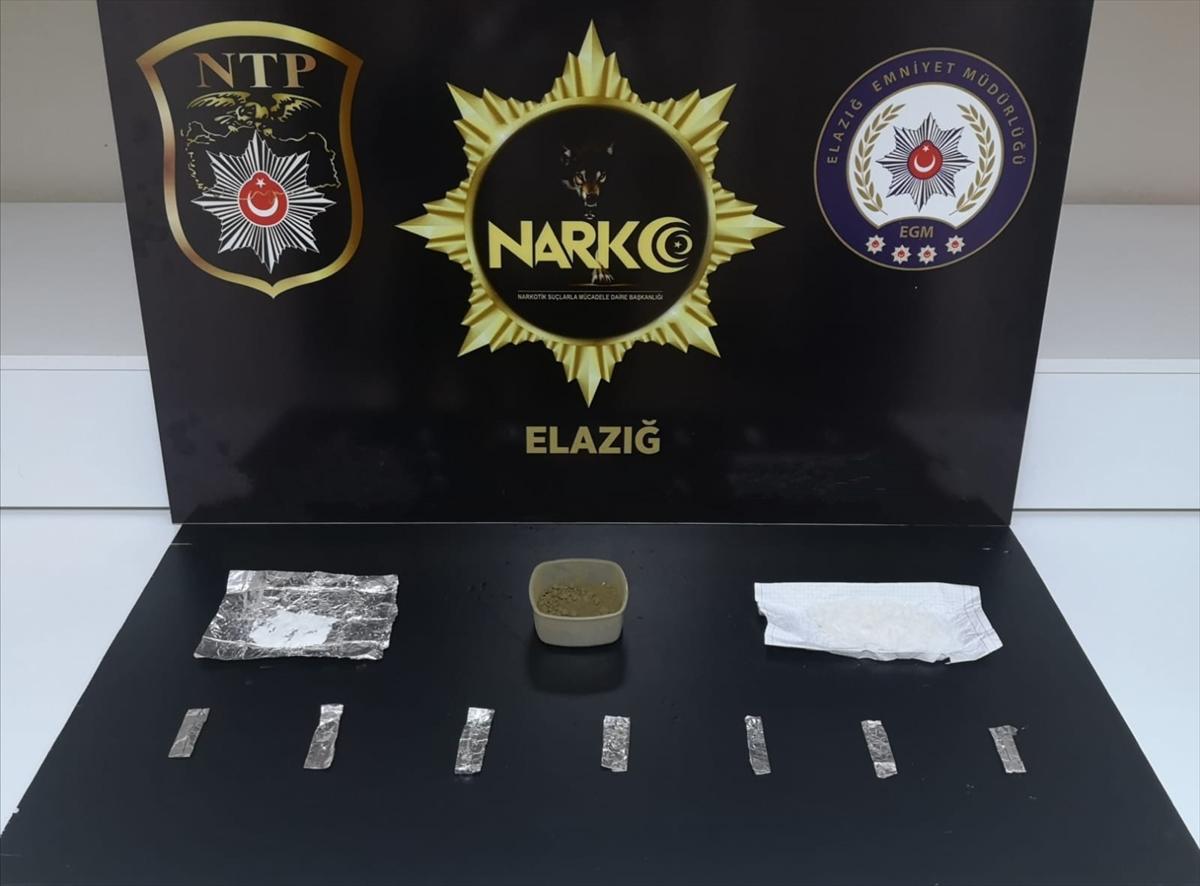 Elazığ'da otomobilde uyuşturucuyla yakalanan 2 kişi tutuklandı