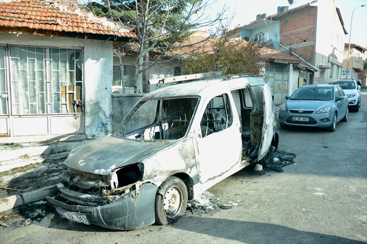 Eskişehir'de aracında çıkan yangını söndürmeye çalışırken fenalaşan kişi öldü