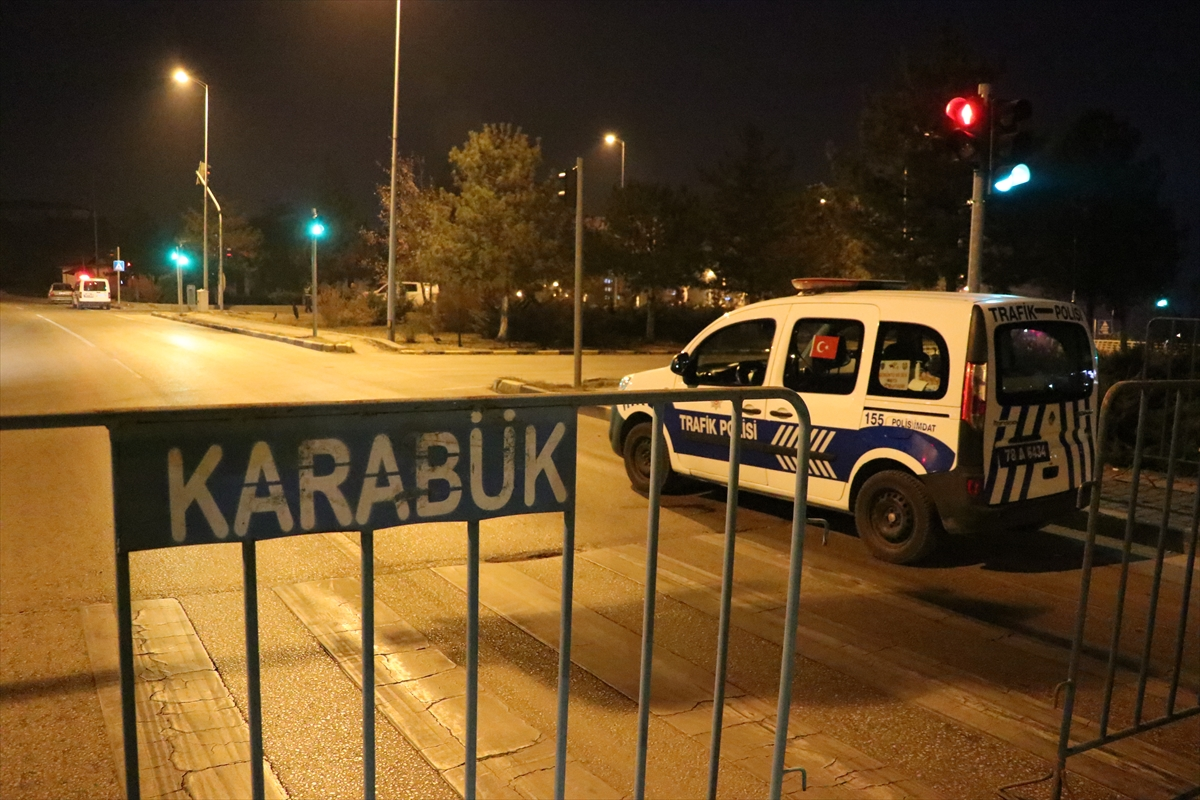 Karabük'te sokağa çıkma kısıtlamasına uymayan 2 kişiye ceza