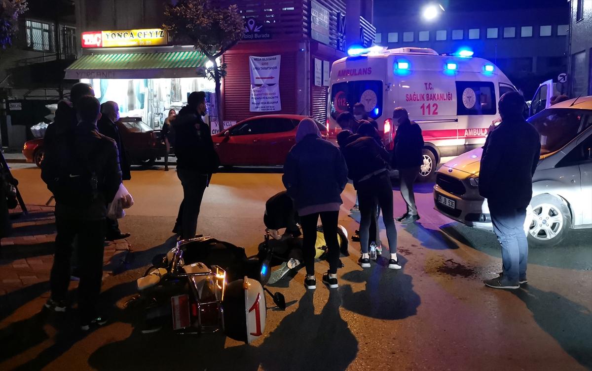 Kocaeli'de 2 kardeşin yaralandığı trafik kazası güvenlik kamerasında