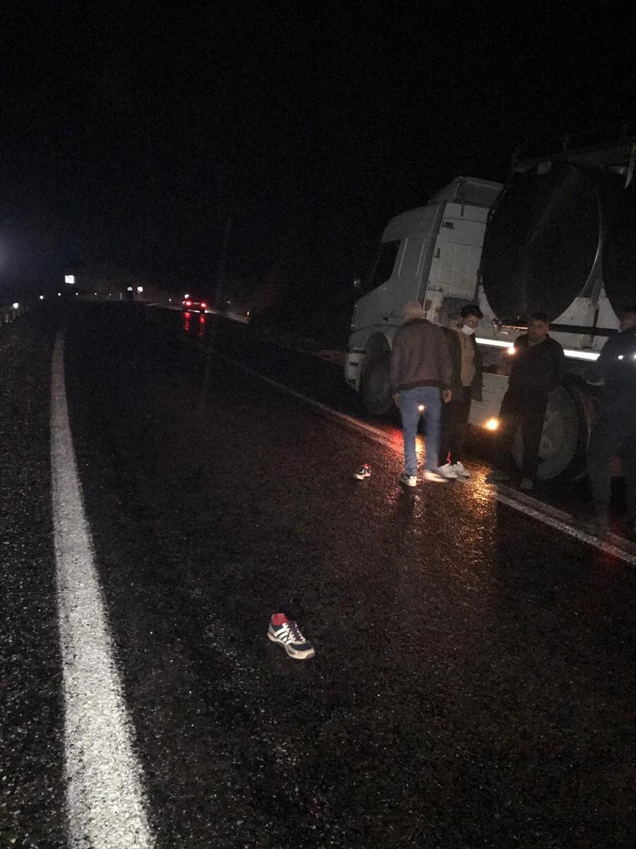 Manisa'da alkollü sürücünün kullandığı otomobilin çarptığı kişi öldü