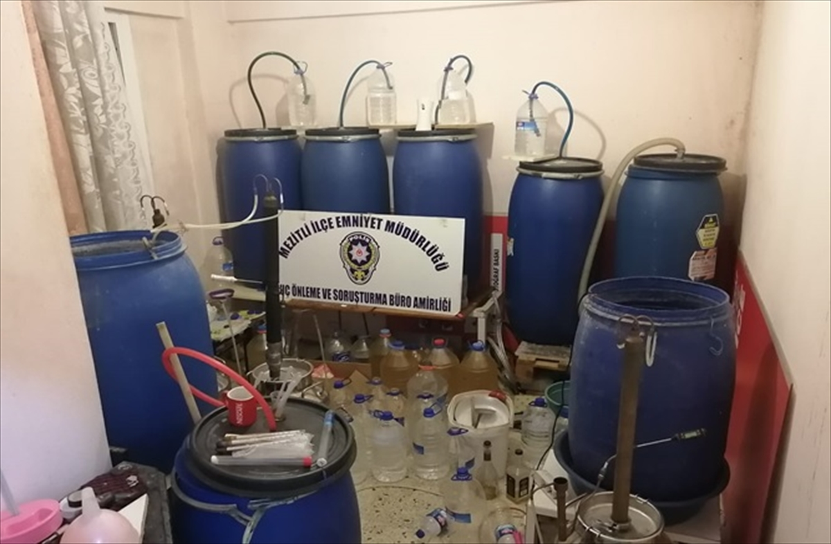 Mersin'de 1700 litre sahte içki ele geçirildi