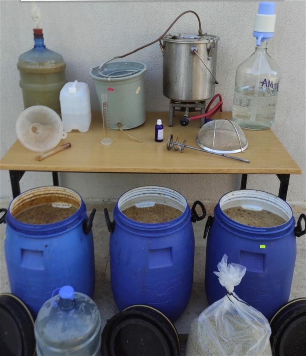 Muğla'da 226 litre sahte içki ele geçirildi