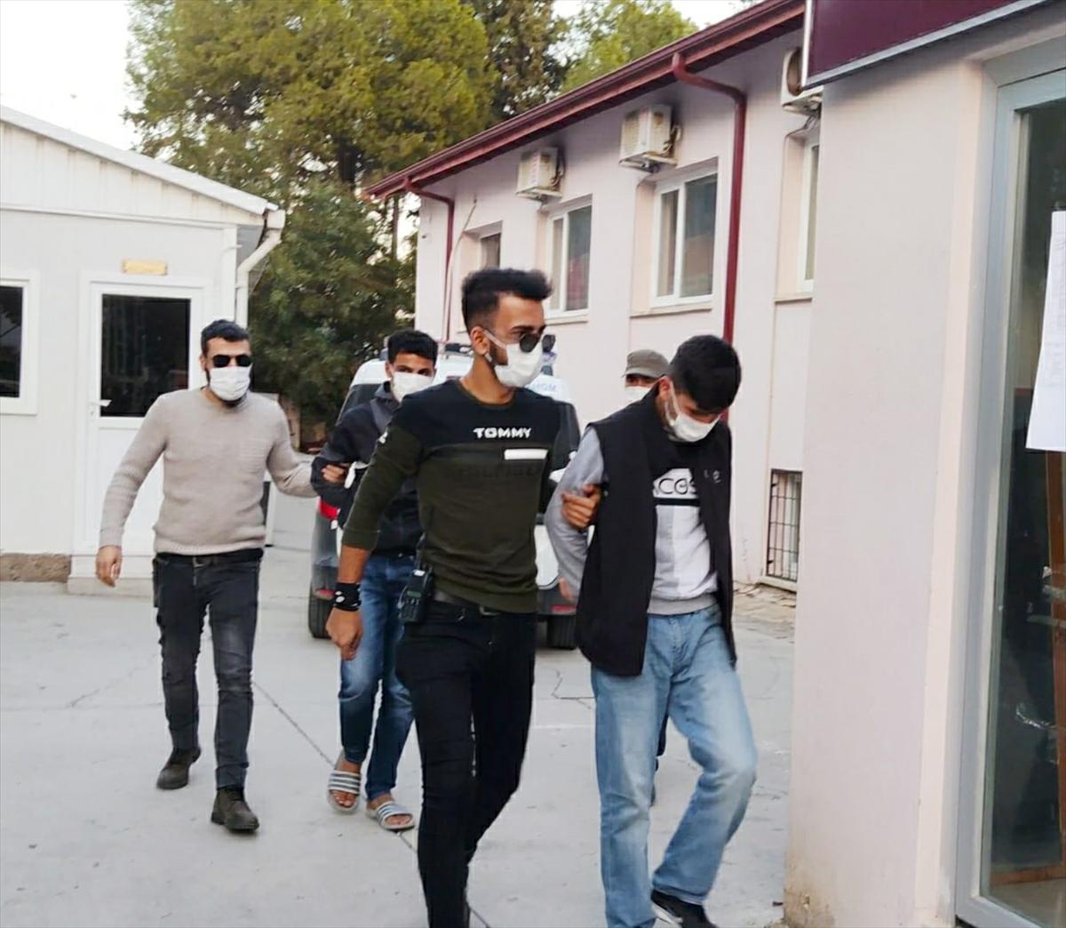Muğla'da askerin beylik tabancasını çaldıkları iddia edilen iki zanlı İzmir'de yakalandı