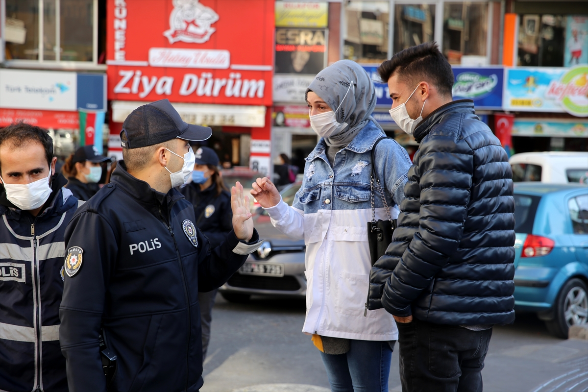 Kırşehir, Nevşehir ve Yozgat'ta Kovid-19 önlemleri kapsamında sigara içme yasağına uyuluyor