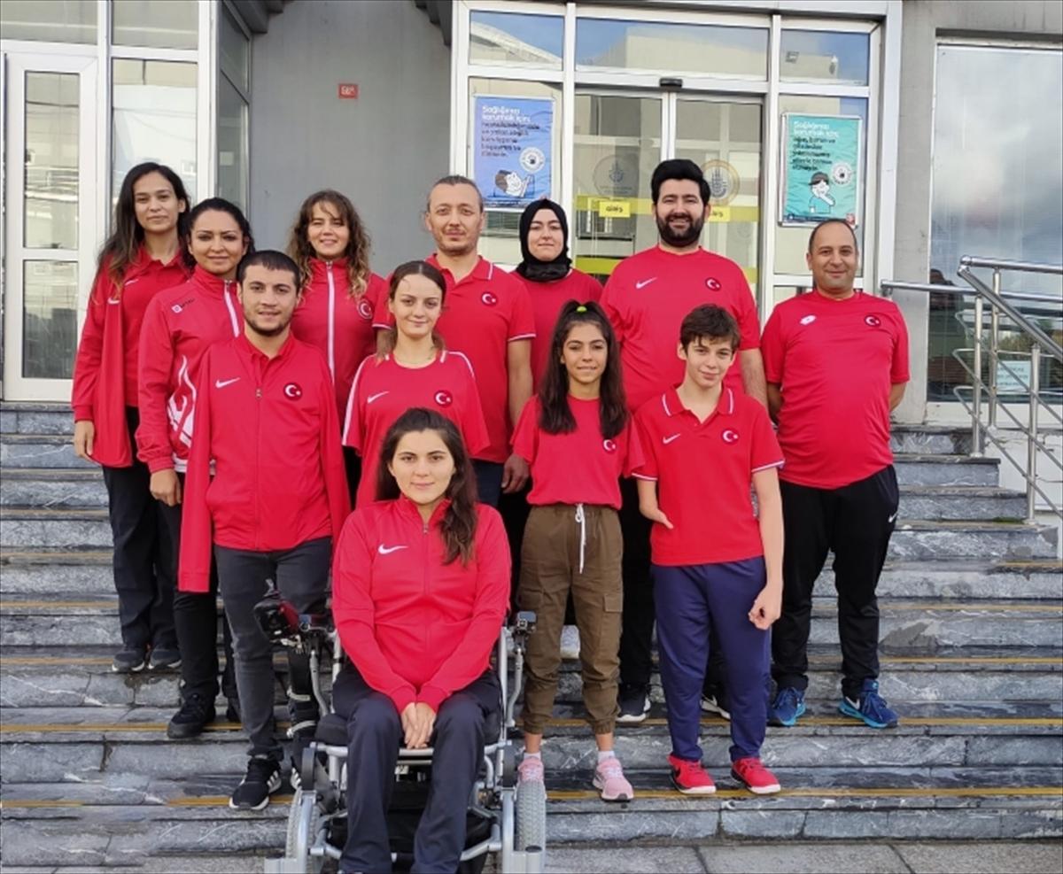 Paralimpik yüzücüler, çalışmalarını İstanbul'da sürdürüyor